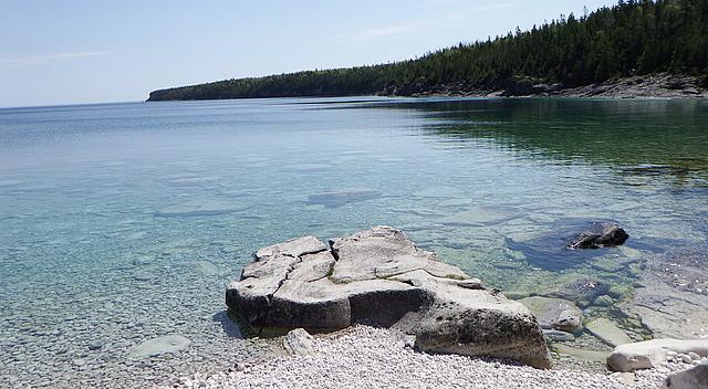 18.1401290360.a-very-pretty-beach-on-little-cove.jpg