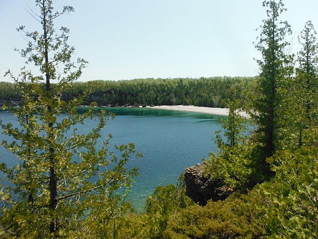 18.1401290360.view-of-a-beach.jpg