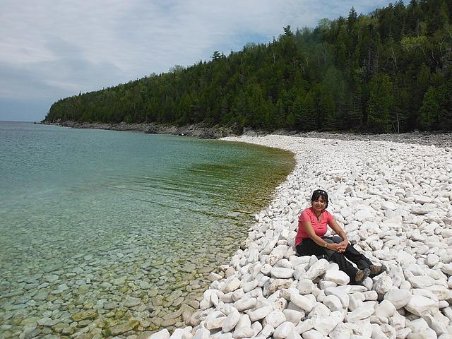 18.1401290360.white-rocky-beaches-no-sand.jpg
