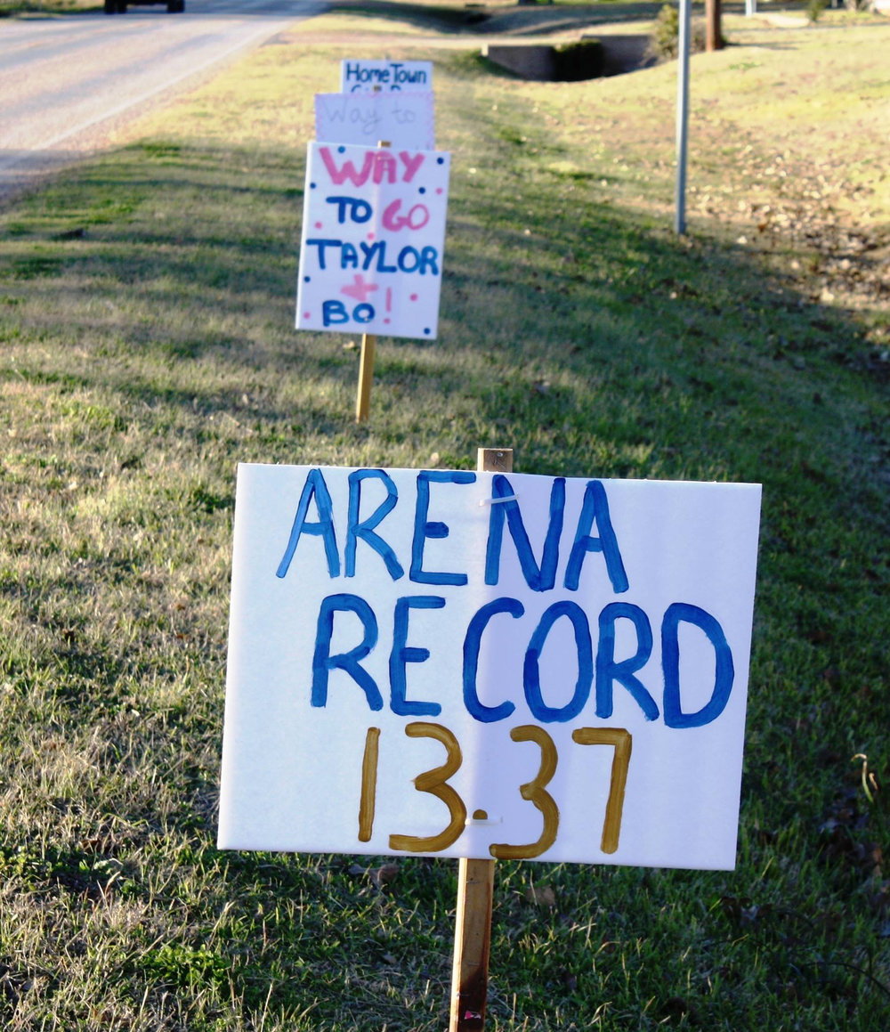 Taylor_Jacob_arena_record_sign.jpg