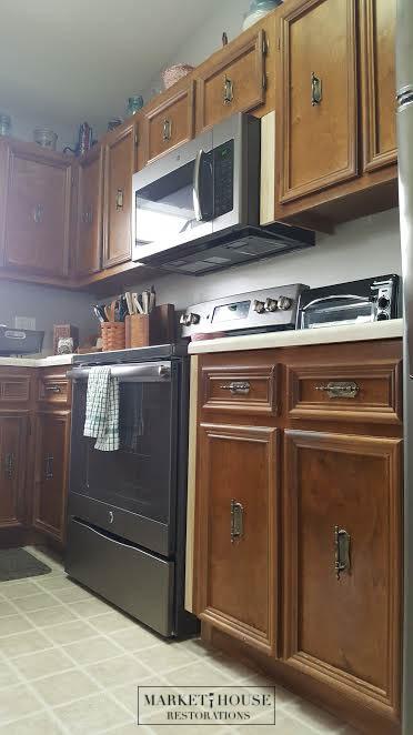 Robinette's Kitchen Before 6.jpg