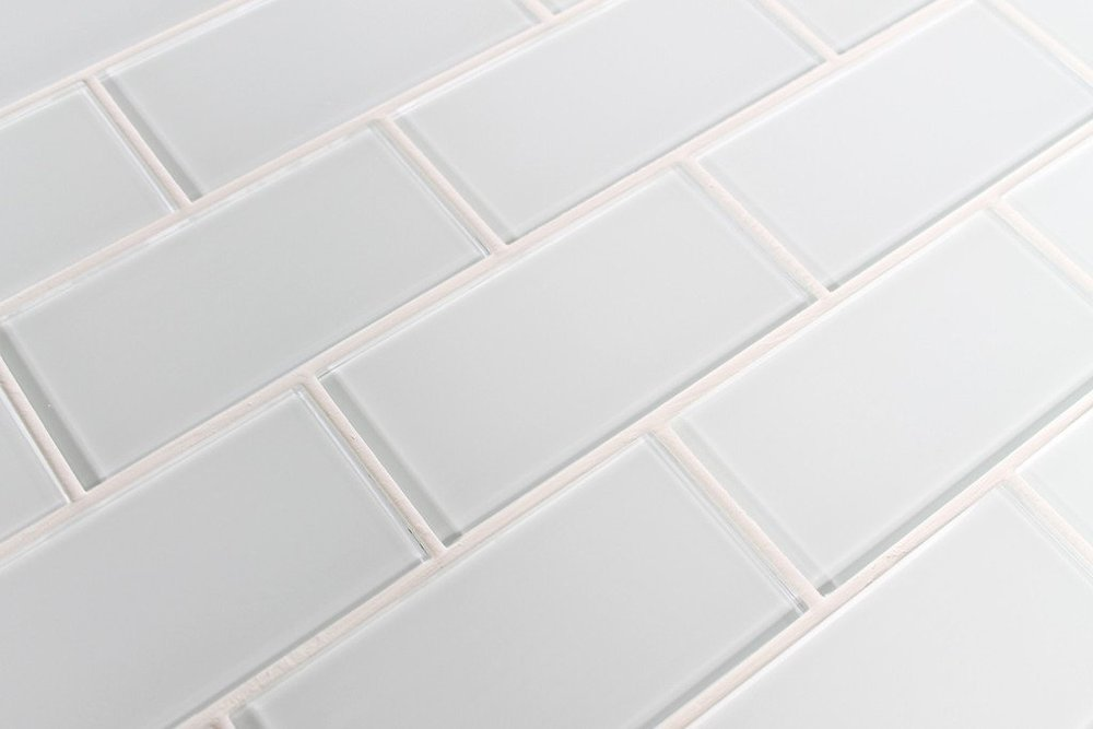"""2"""" X 4"""" GLASS SUBWAY TILE IN SNOW"""