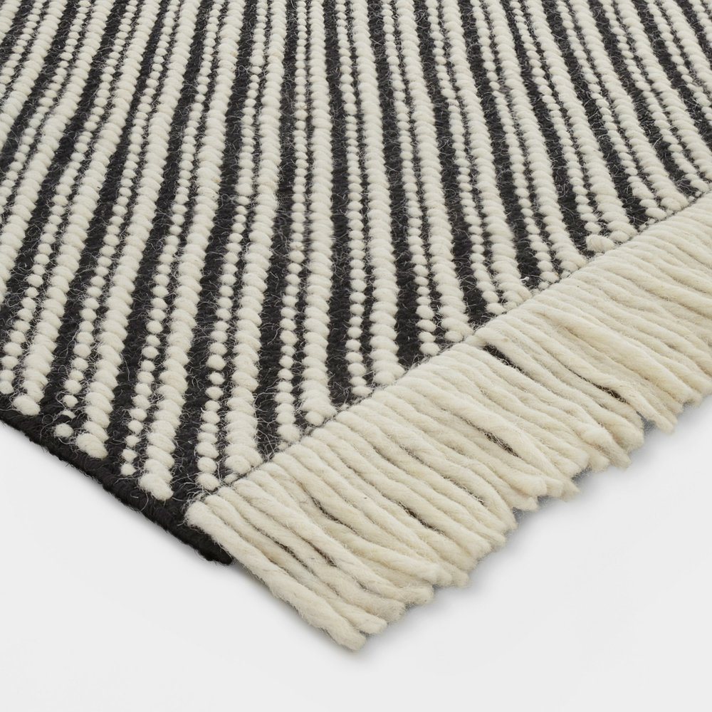 Black/White Chevron Area Rug