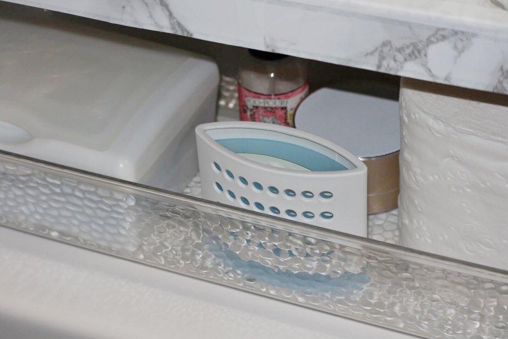 Albie Knows Rental Bathroom Refresh Update 6.JPG