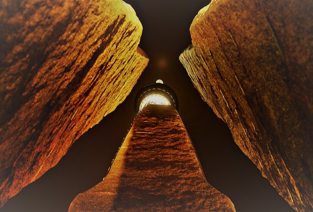 晴空塔天空町2014廣場的入口石雕   / Joseph lee