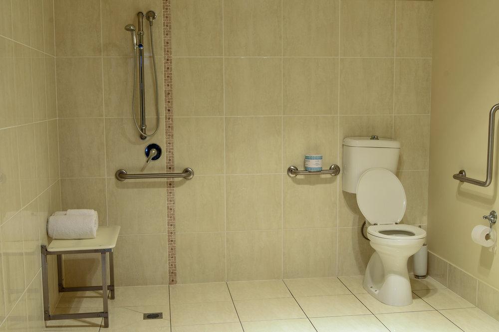 Unit 3 Bathroom a.jpg