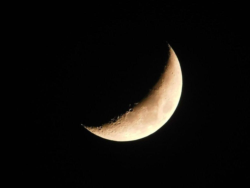 moon-1409335_1280.jpg
