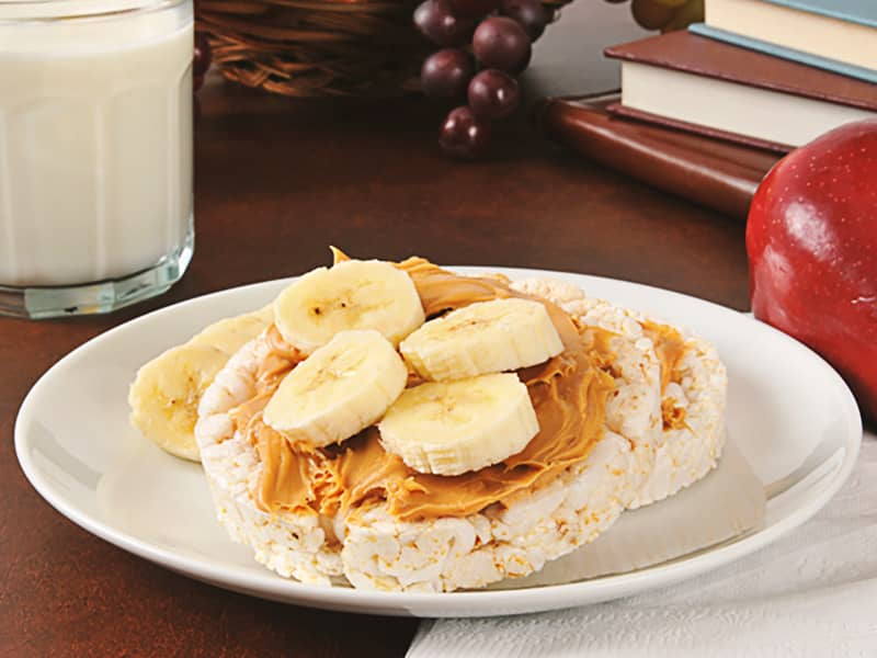 Rice-cakes-with-PB-and-Banana.jpg