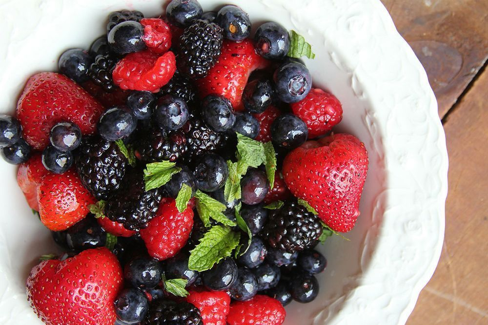 103-recipe_berries-mint-salad_1200x800.jpg