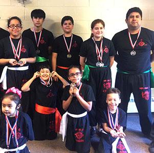 Kung Fu - Todos los jueves a las 6 pm y los sábados a las 9 am, Maestro Raúl ofrece clases de Kung Fu en Santa Elena a niños y jóvenes en los distintos niveles de especialización.