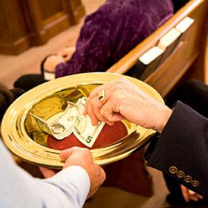 ¿Por qué debería comprometerme? - Un compromiso financiero anual es una poderosa señal de nuestro compromiso y de nuestra participación en el futuro de la parroquia. Expresa la generosidad de una persona en agradecimiento de las formas en que la iglesia ha bendecido su vida.Hacer un compromiso financiero formal también es importante, porque permite que el clero de la parroquia y líderes laicos hagan presupuestos con mayor precisión y de manera responsable para el próximo año. Porque una pequeña parroquia en crecimiento, al igual que Santa Elena, la promesa de una persona puede hacer una gran diferencia en los cosas que podemos lograr. No sólo nuestros compromisos nos permiten tener un cura y los músicos y mantener nuestro hermoso edificio; pero apoyan numerosos ministerios de la parroquia los cuales son nuestro personal, y edificio y que los feligreses hacen posible.Si su situación financiera le permite dar mucho o dar un poco, su promesa es una importante señal de confianza y compromiso.
