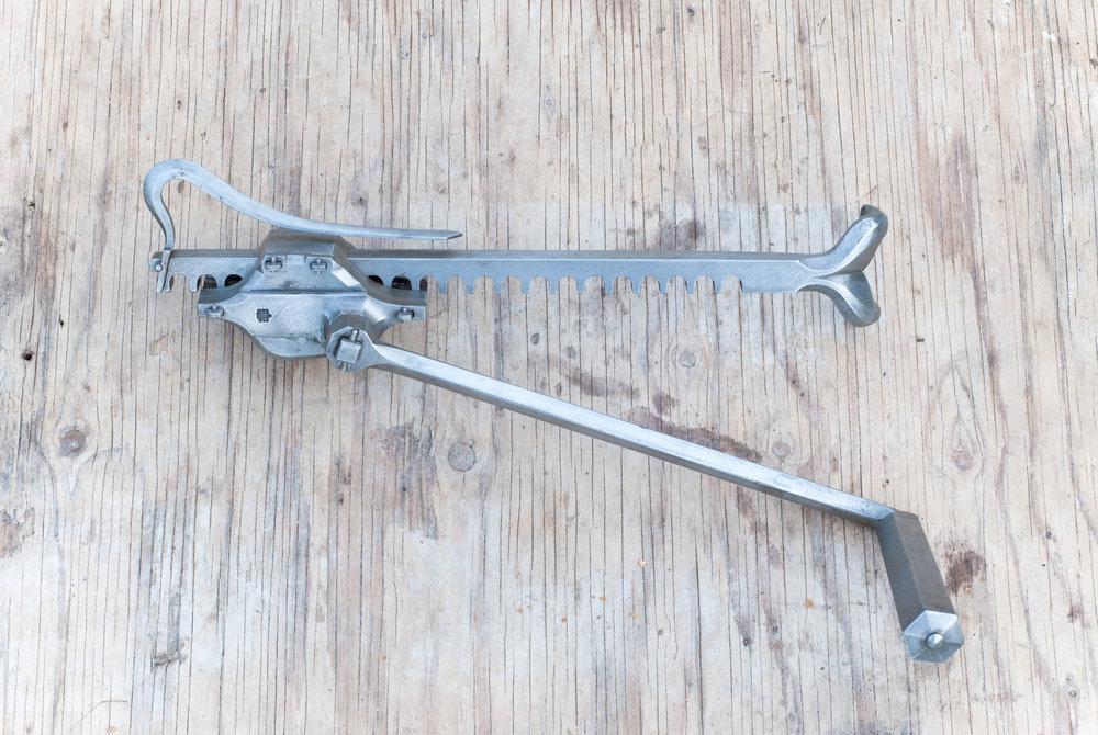 Linde Smide & Metallgestaltning. Restaureringssmide – Cranequin, reproduktion.