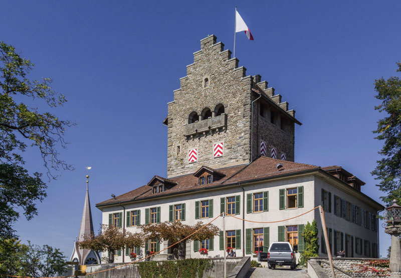 Uster-Castle.jpg