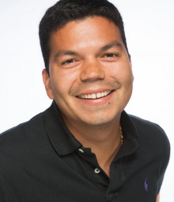 Alejandro Henao headshot.jpg