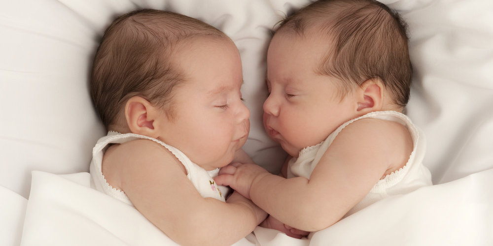 aide a domicile naissance jumeaux