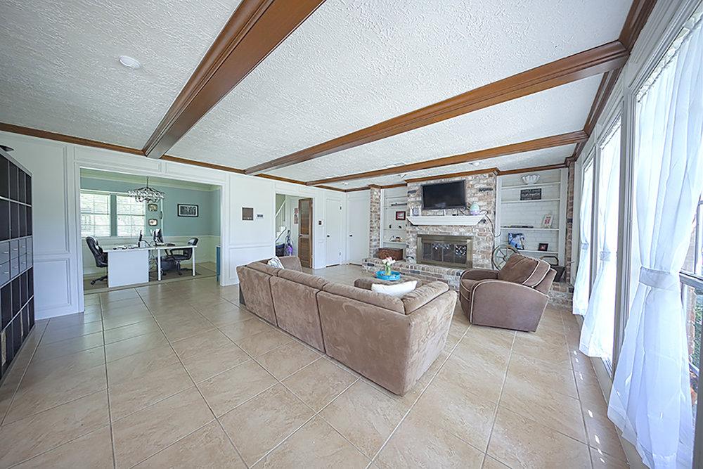 LIC_17032017_Livingroom.jpg