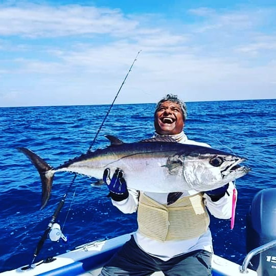 Happy angler catching a dogtooth tuna.  #dogtoothtuna, #jigging, #jiggingfishing, #deepjigging, #sportfishinglanka, #fishingsrilanka