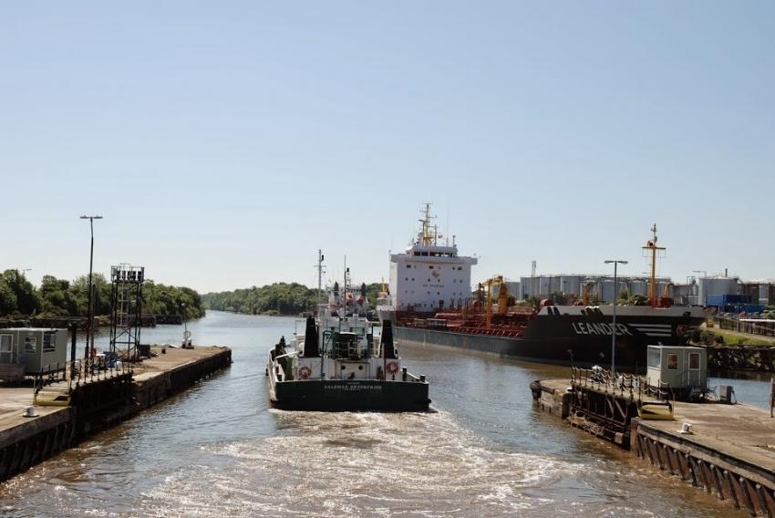 ship_canal.JPG