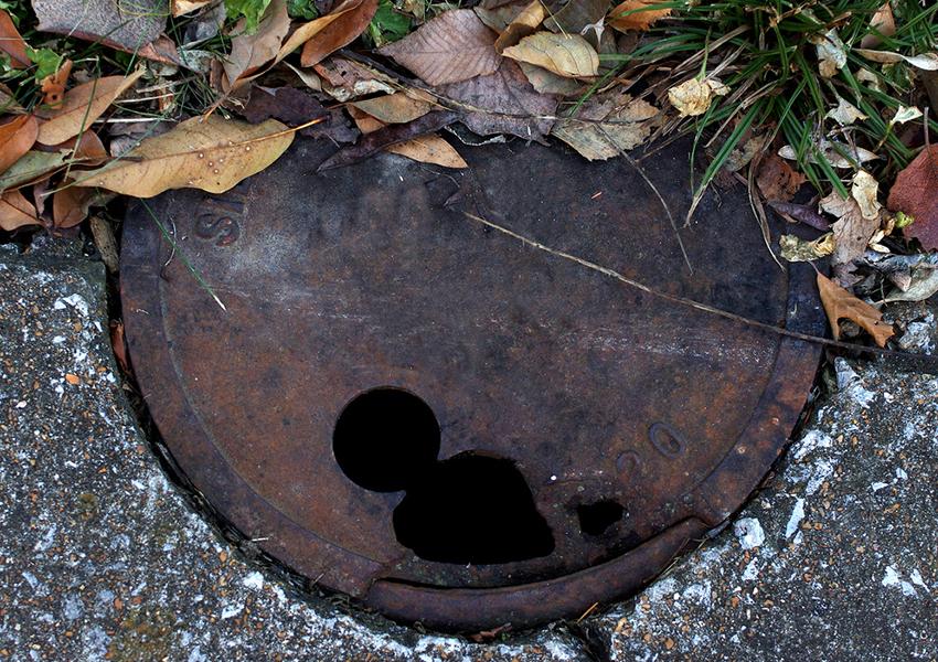 manhole.jpg