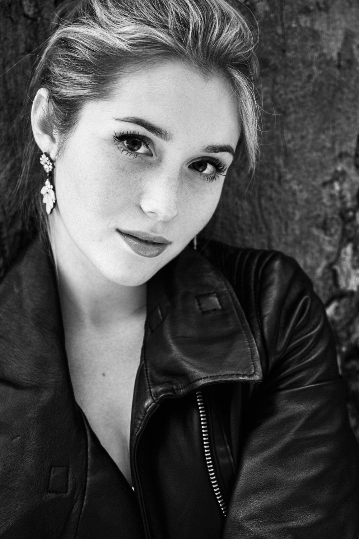 Portraits -    Black & White