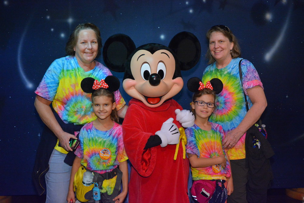 PhotoPass_Visiting_Disneyland_Park_8177453257.JPG