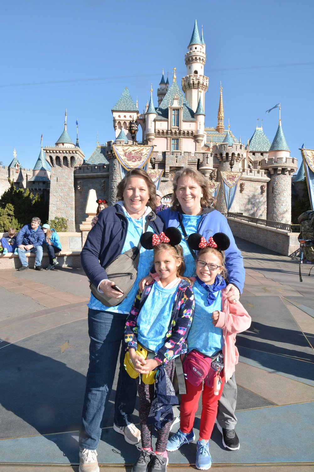 PhotoPass_Visiting_Disneyland_Park_8178347037.JPG