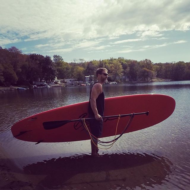 Nice to finally have New England days where bare feet in the water feels good! #suplife #supfitness #paddleboarding #supnewengland #goodbyewinter #suploops