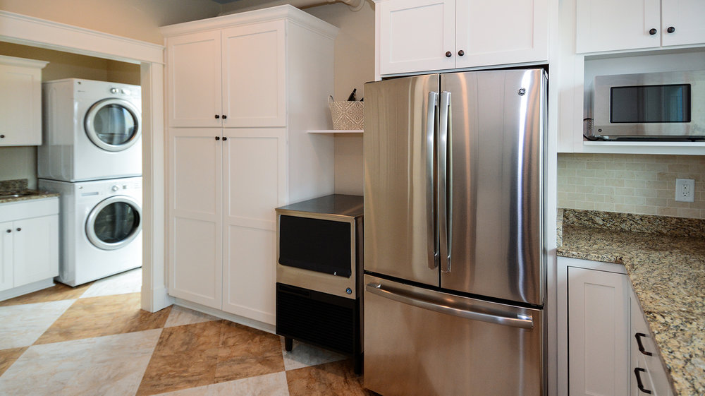 KD1111-kitchenette2.jpg