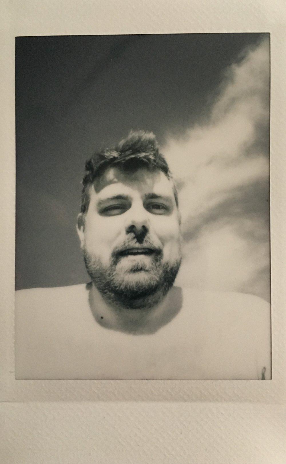 Instamax Monochrome Selfie