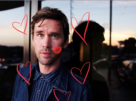Happy Valentines Day Ladies. 😘😏💝 🌵🏜Sorry the show tonight @cactuscafeatx in Austin in sold out but I'll be back and there will be plenty of this dork to go around 😂😎🤢............................ From the folksinger douchebag dreamboat shoot 2017 with @emilybeaverphotos ........................................................ FEB 14 WED 