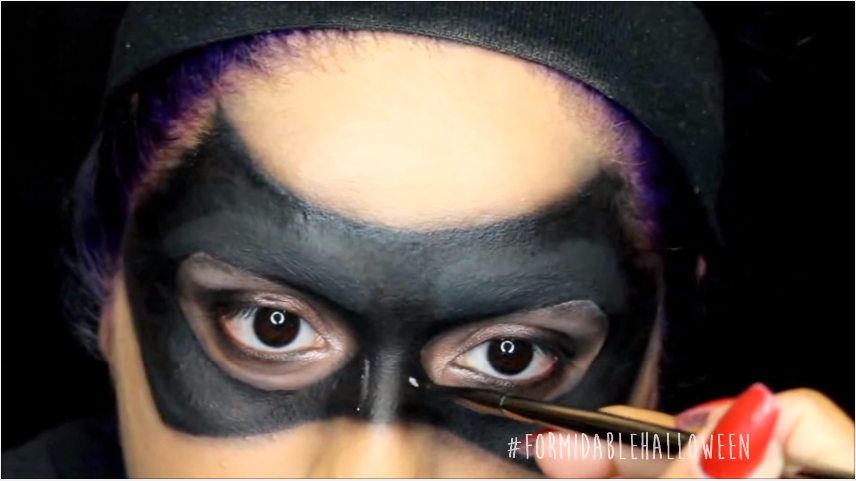 15.1 white eyeshadow for mask detailing.png