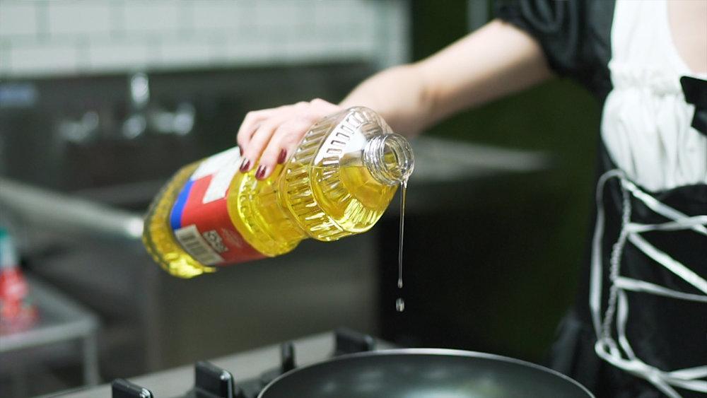 add oil to pan.jpg