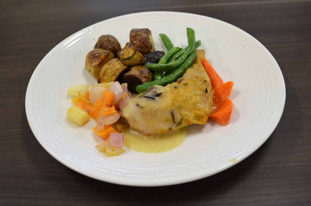 Robbie Powell - Drumstick of chicken with sauce with root veg and oblique cut style carrots with green beans.JPG