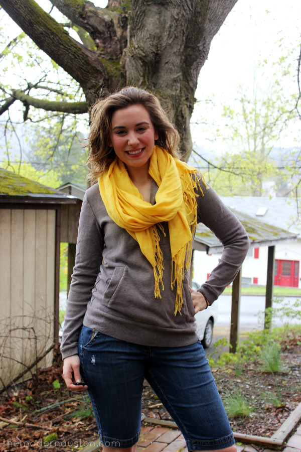 Lemon Zest Scarf Sweatshirt and Jean Shorts 1