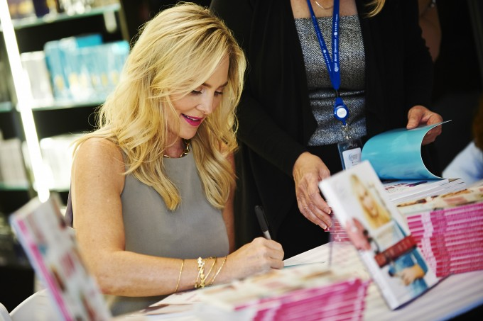 Carmindy from What Not to Wear book signing for Bloom at Pittsburgh Airmall #FLY2014 event