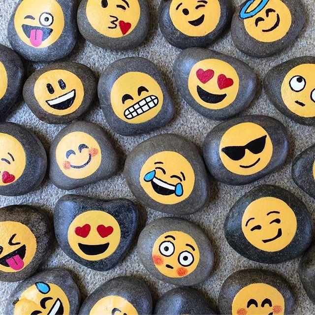 Paint Emoji Rocks -