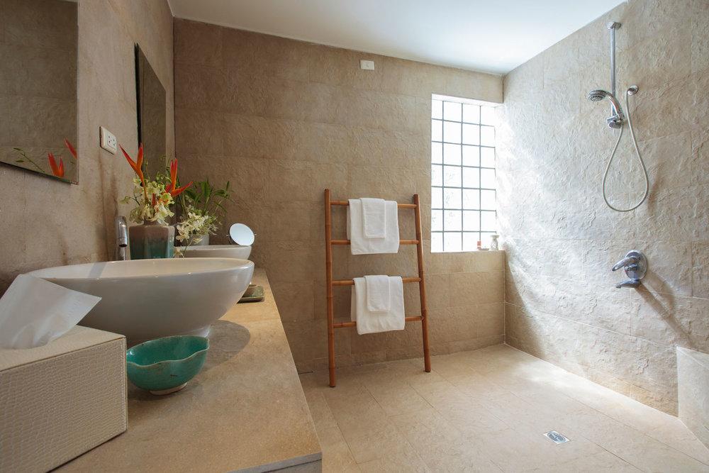 20130706-Bathroom_1_jasmine-001.jpg