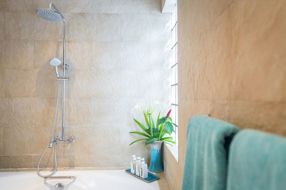 Baan_Jasmine_Bathroom_1-4.jpg