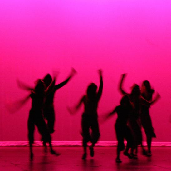 KOREOGRAFIARYMÄT - LATINO SHOW - Vamos on niittänyt koreografioillaan ja tanssijoillaan menestystä vuosittain järjestettävässä Latin Show SM - kilpailuissa.Kokoamme ryhmiä asiakkaistamme ja meiltä on mahdollisuus myös tilata koreografia omalle ryhmällesi. Annamme kaikille halukkaille mahdollisuuden osallistua!Suosittelemme minimissään vuoden tanssikokemusta ennen kisoihin lähtemistä.Valintatilaisuus pidetään elokuun lopussa, ilmoitamme tarkemman ajan pian!Tanssijat sitoutuvat ryhmiin syys-ja kevätkaudeksi. Kilpailut pidetään Seinäjoella 14-15.4.2018.Katso hinnasto kaudelle 2017 - 2018 täältä.