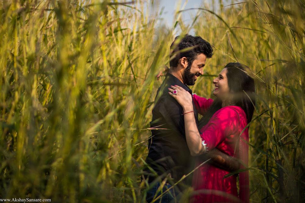 Priyanka x Sushank Pre-wedding Best Candid Photographer in Mumbai Akshay Sansare India(23).jpg