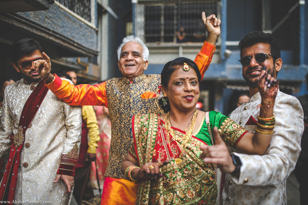 Akshay Sansare Photography Kunal x Shrutika best candid photographers in mumbai(25).jpg