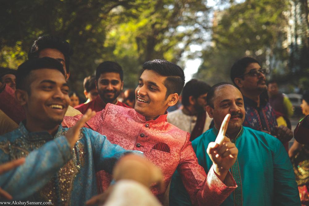 Akshay Sansare Photography Kunal x Shrutika best candid photographers in mumbai(28).jpg