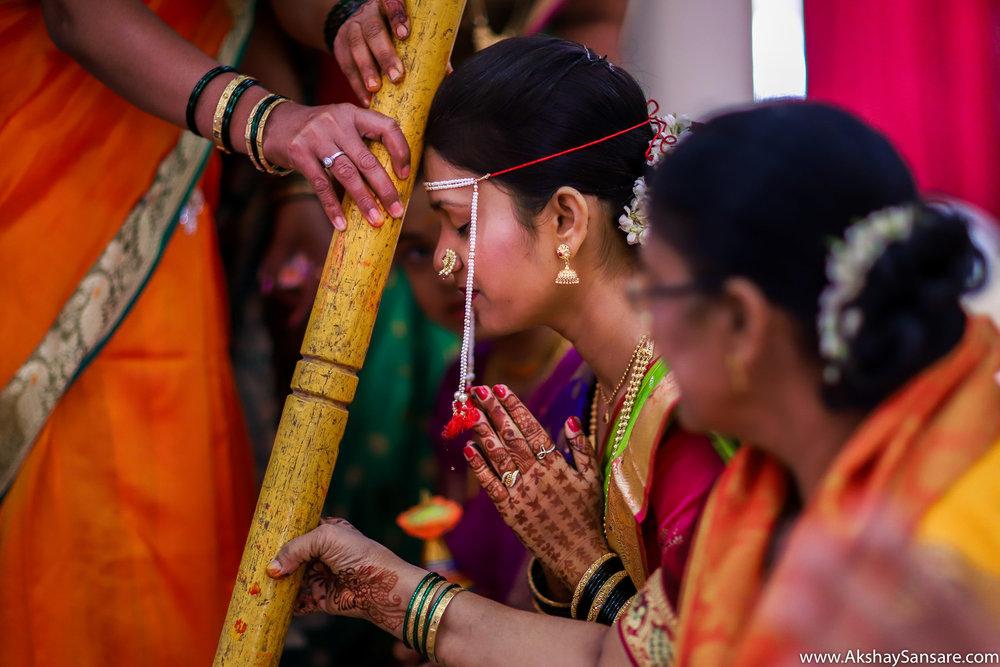 Aditya x Poonam Blog Akshay Sansare Photography Candid Photographer in Mumbai Best Cinematic wedding film filmer-9.jpg