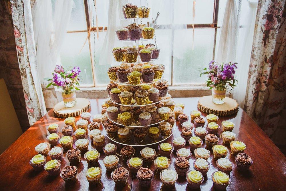 baker's rhapsody wedding cupcakes