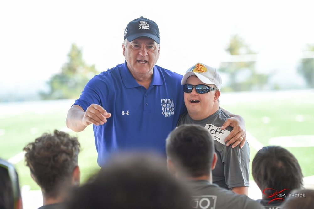 49ers co-host 12th annual Football Camp for the Stars
