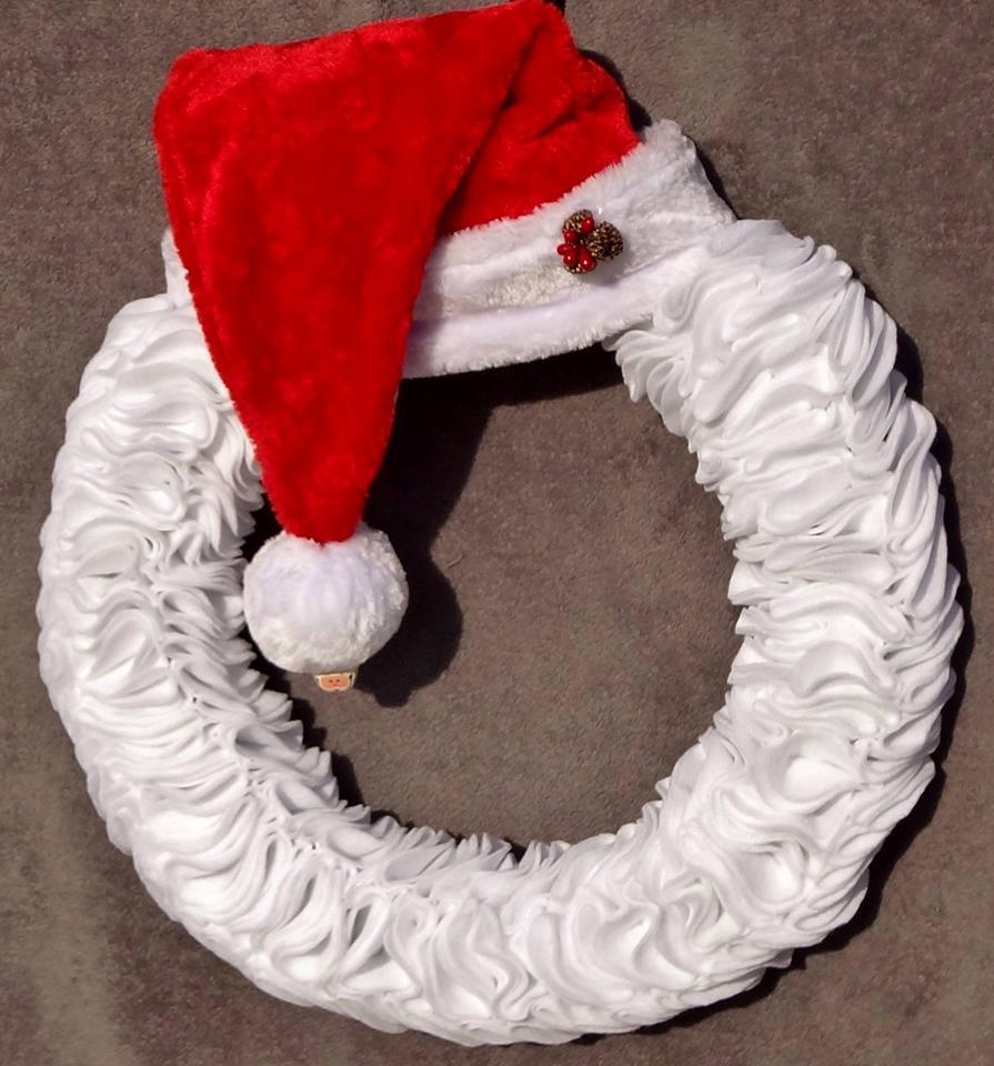 santa wreath.jpg