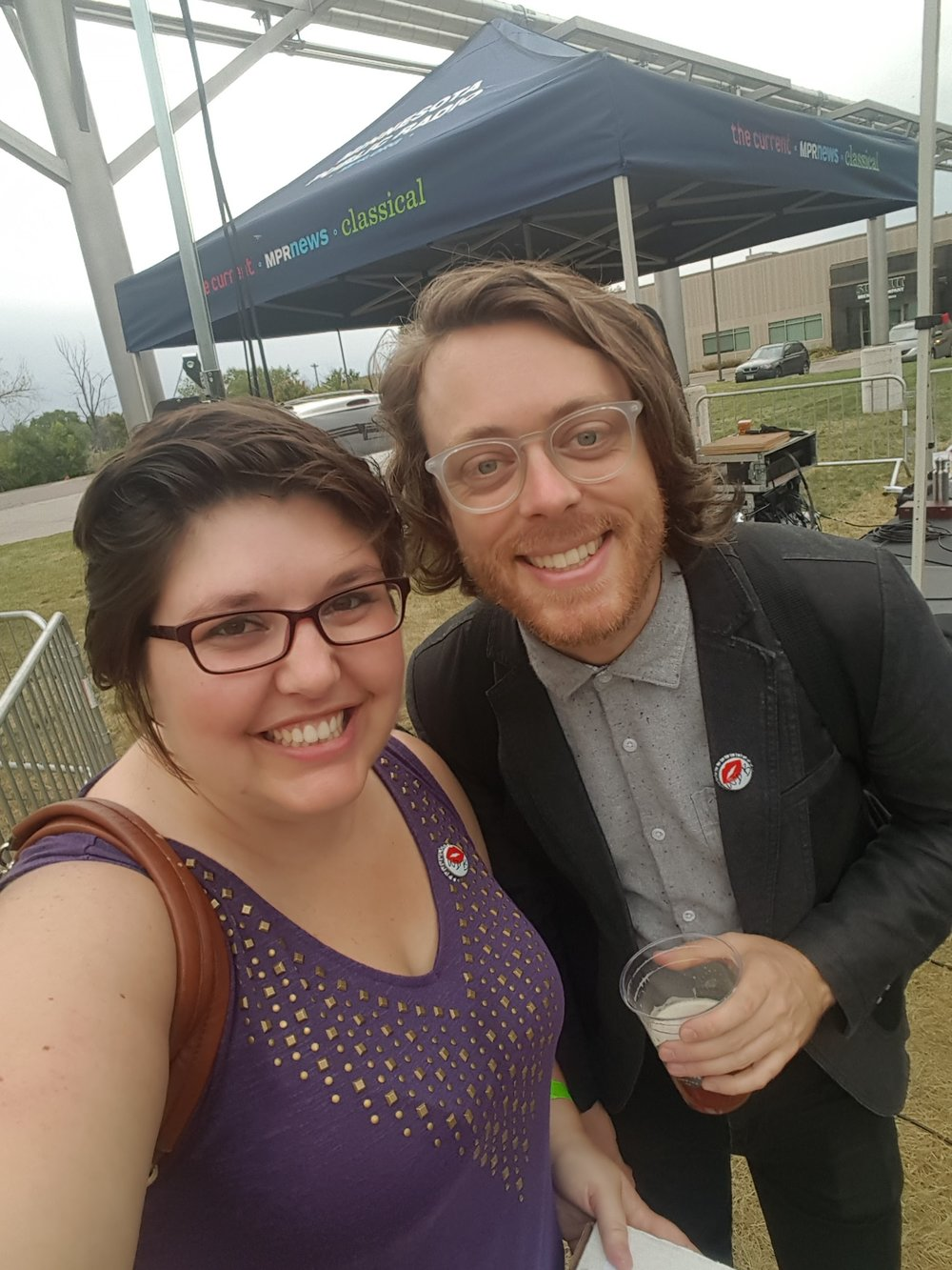 Jeremy Messersmith is THE. COOLEST. He wore a WDB pin and before this was taken he was discussing GoT outcomes with fans.