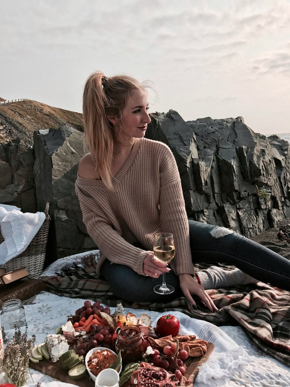 jessica kilfoy fashion food blog fall autumn charcuterie picnic goals inspiration newfoundland