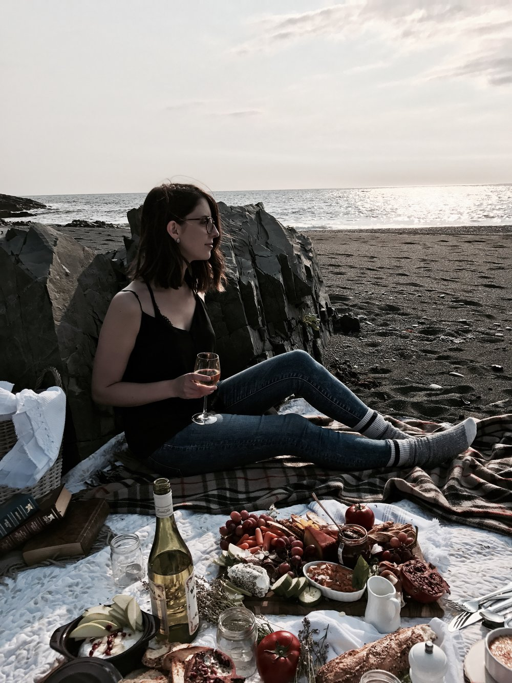 lauren dawe fashion food blog charcuterie picnic goals inspiration fall autumn