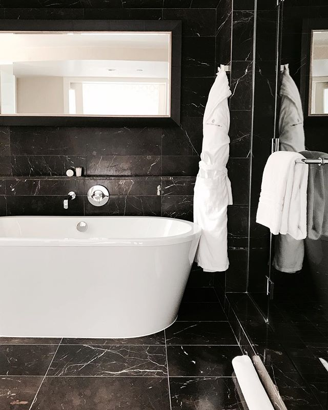 You can find me here after this Monday. 🧖🏼‍♀️🍷 Link in bio for our blog post on @rwhotelgeorgia • • • • • #morning #night #bath #bathroomdesign #bathroomdecor #bathroomremodel #bathtime #tub #bubblebath #relax #relaxing #luxury #luxurylifestyle #luxuryhomes #hotel #hotelroom #hotels #interiordesign #interiorstyling #vancouver #vancouverbc #vancouverlife #rwhotelgeorgia #rosewoodhotels #white